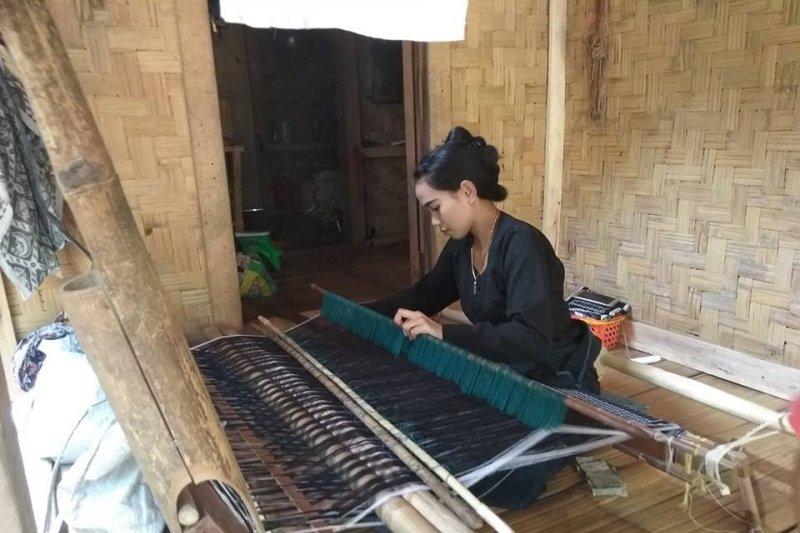 Perajin tenun suku Badui mendunia terinspirasi perjuangan Kartini
