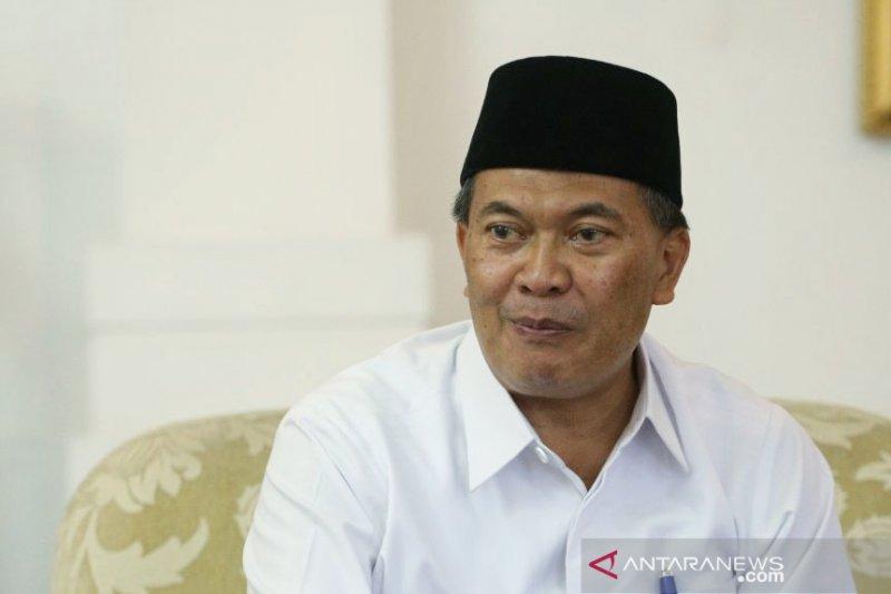 Petugas kesehatan diterjunkan untuk periksa anggota KPPS di Bandung