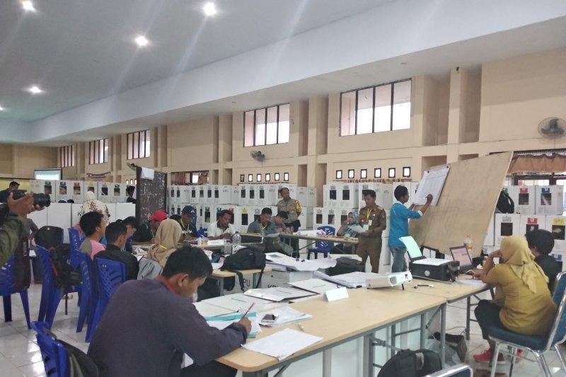 KPU Mamuju koordinasi Dinkes Sulbar terkait kesehatan petugas PPK