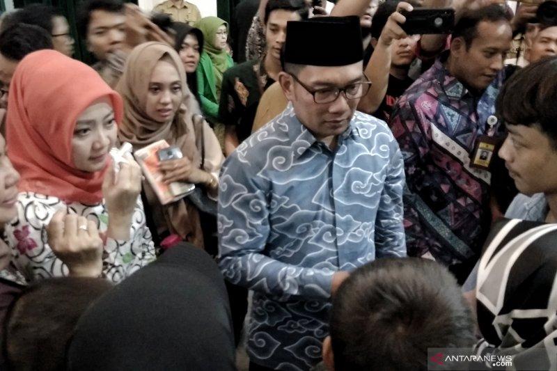 Pemprov Jabar santuni Rp50 juta kepada petugas pemilu yang gugur