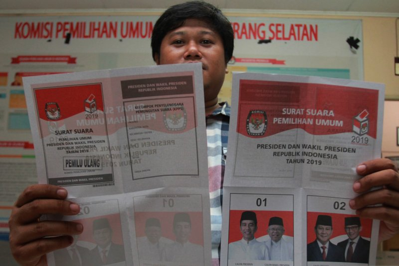 Persiapan pemungutan suara ulang di dua TPS di Tangerang Selatan