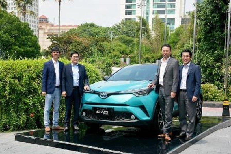 Toyota pasarkan C-HR Hybrid kendaraan elektrifikasi