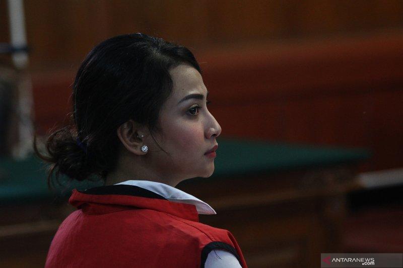 Ketidakhadiran pria pembeli jasa prostitusi, Vanessa Anggel ajukan pembelaan