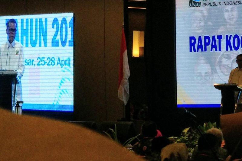 Gubernur Sulsel tawarkan obyek wisata kepada peserta Rakornas Kearsipan