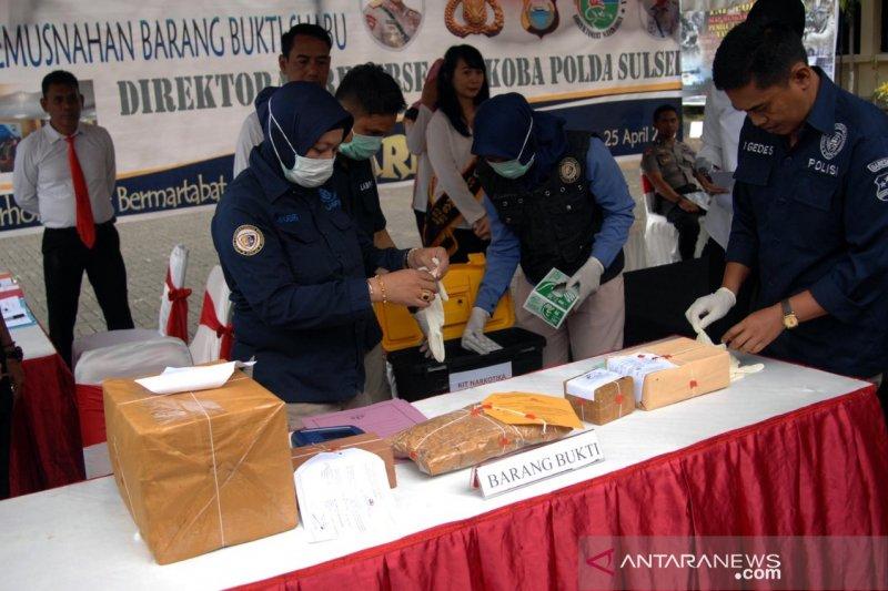 Ditnarkoba Polda Sulsel musnahkan 10,11 kilogram sabu-sabu