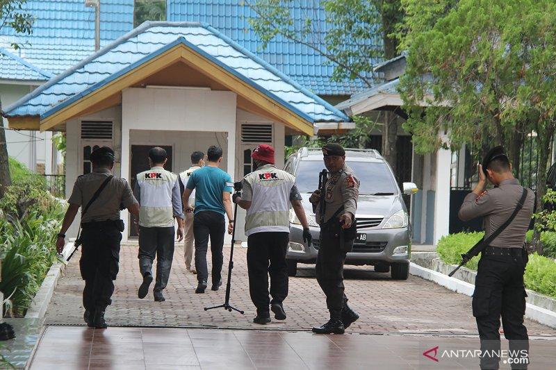 KPK geledah rumah dinas Walikota Dumai