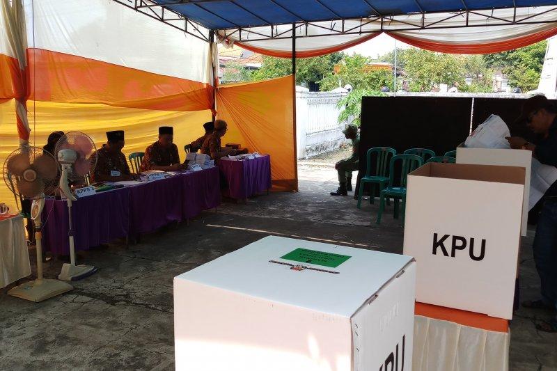 Satu TPS di Sidoarjo melaksanakan PSU
