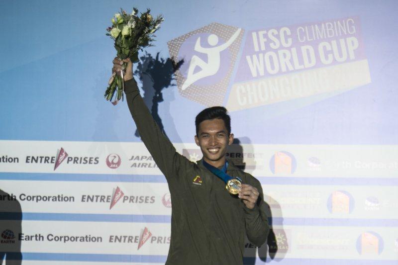 Alfian M Fadjri raih juara dunia panjat tebing di China