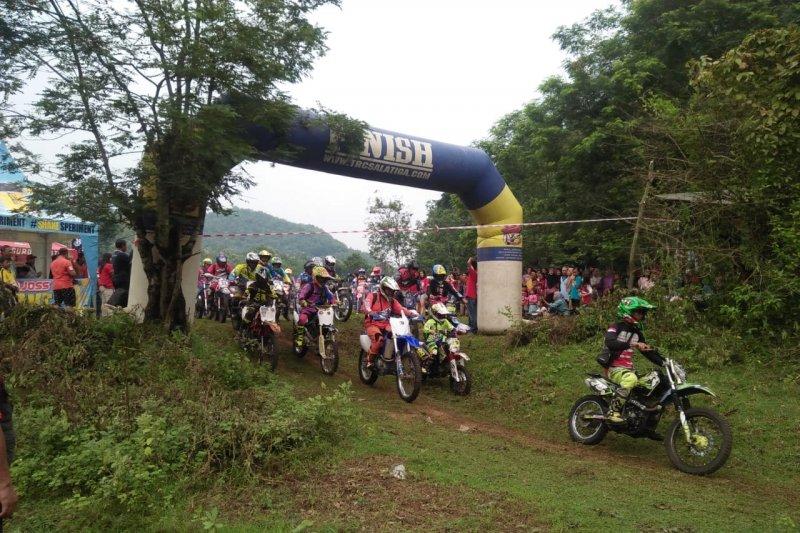 Balap motor lintas batas NTT jaring wisman perbatasan Timor Leste
