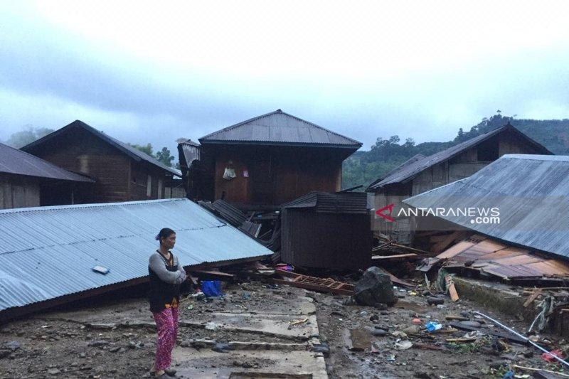 Ribuan korban banjir di Bengkulu Tengah butuh bantuan pangan dan tenda
