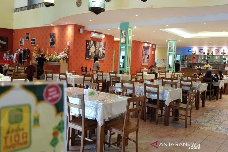 Kedai Tiga Nyonya, resto dengan menu tiga budaya kuliner