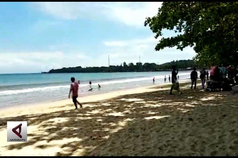 Masyarakat masih enggan berlibur ke pantai Carita