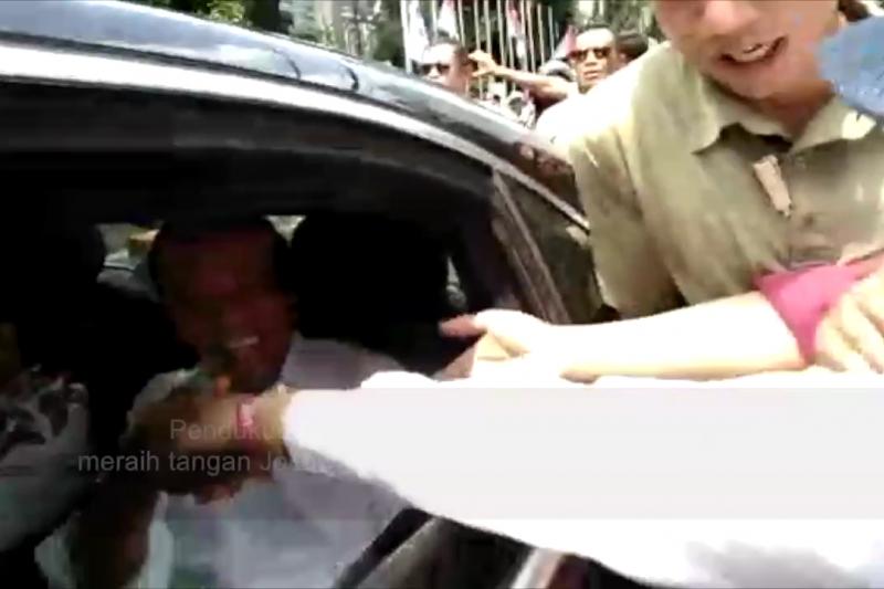 Flash - Jokowi tiba di GBK