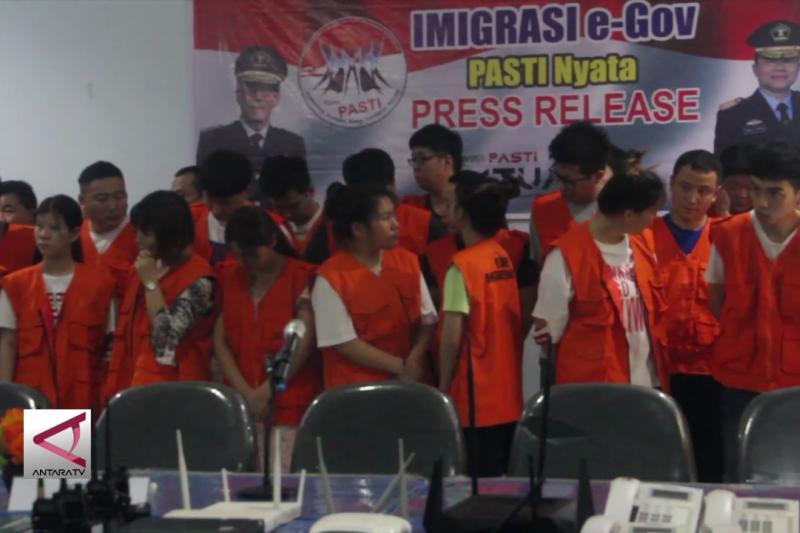 Imigrasi Semarang amankan 40 WNA anggota sindikat penipuan