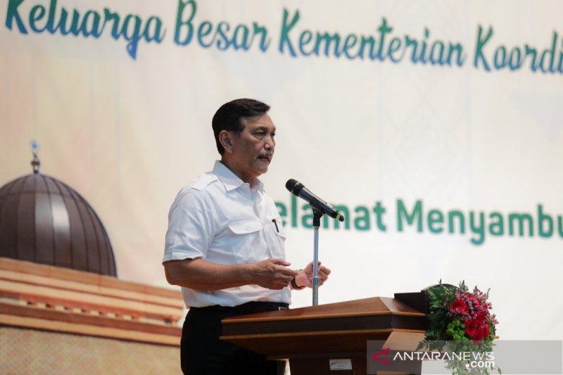 Luhut: hemat impor, Indonesia akan mulai gunakan aspal Buton