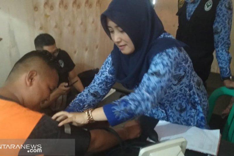 Pengungsi korban pergeseran tanah di Sukabumi mulai alami stres