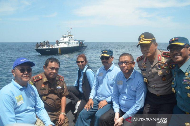 Susi Pudjiastuti pimpin penenggelaman 26 kapal asing di Kalbar