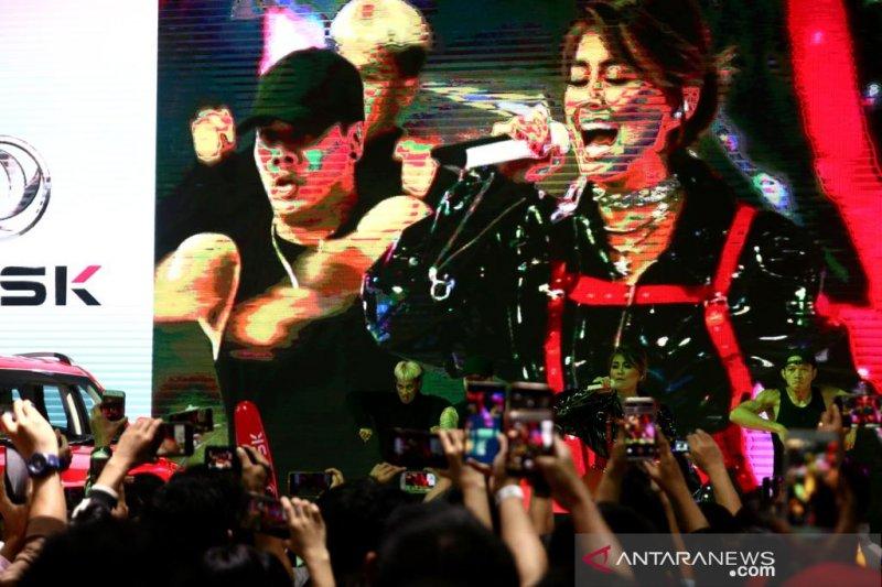Agnez Mo lantunkan lagu lawas di panggung DFSK