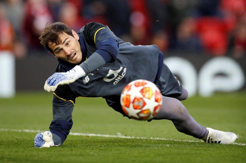 Meski kena serangan jantung, Casillas tetap masuk daftar pemain Porto