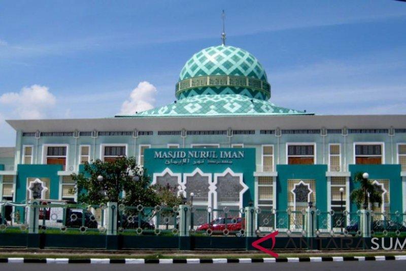Masjid Nurul Iman Padang sediakan takjil gratis selama Ramadhan