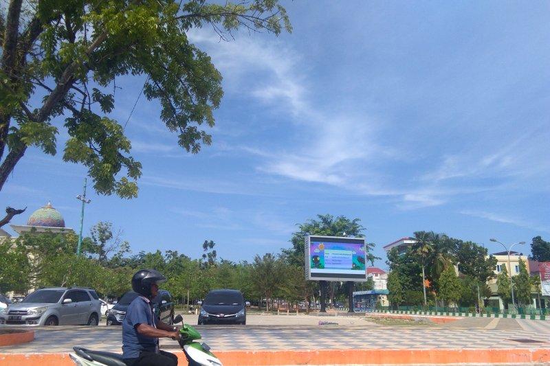 Pesisir Selatan fasilitasi masyarakat berdagang takjil di Taman Spora