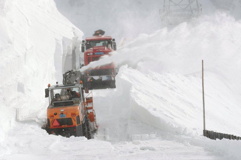 Penyusutan gletser Swiss menyulut sasaran baru iklim 2050 May