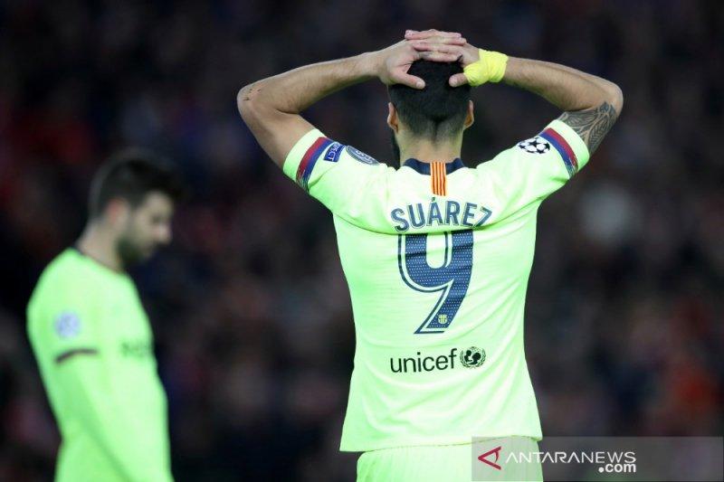 Suarez mengajak Barcelona introspeksi diri