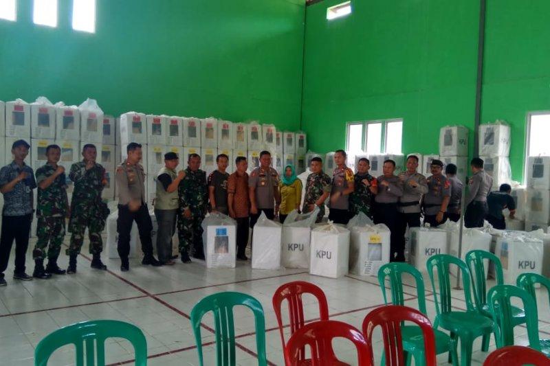 Personel TNI-Polri Tulangbawang kawal kotak suara