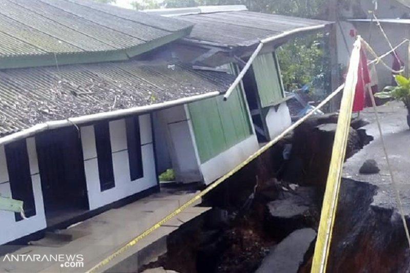 Puluhan bencana melanda Sukabumi sepanjang April