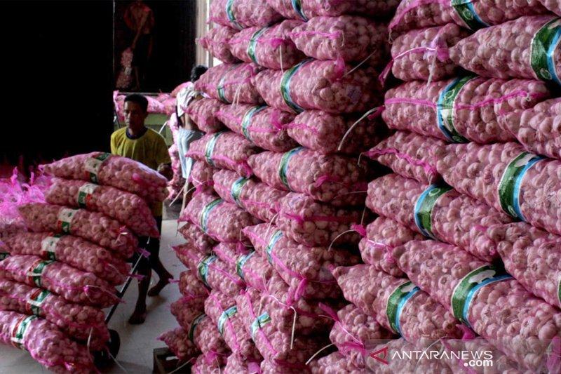 Stabilisasi harga bawang putih di Makassar