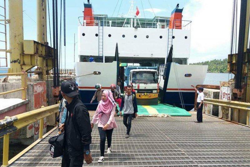 Kepala daerah wilayah kepulauan minta  program pembangunan pelabuhan