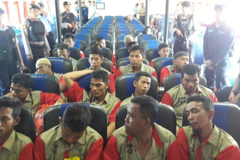 Kepolisian kawal ketat pemindahan 24 tahanan Rutan Karimun
