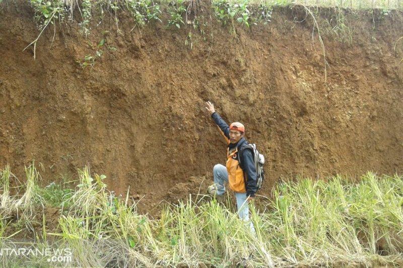 Pergeseran tanah di Gunungbatu Sukabumi makin parah