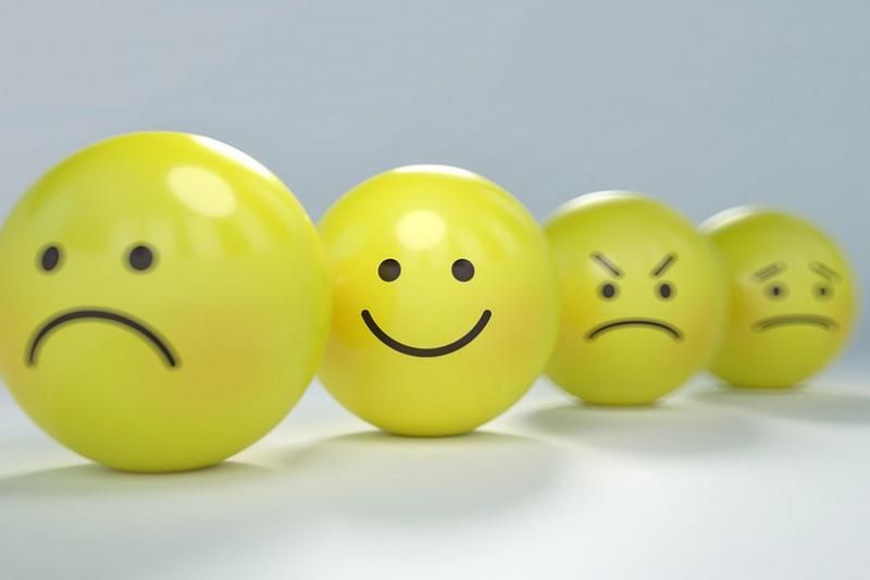 Mengendalikan emosi saat berpuasa
