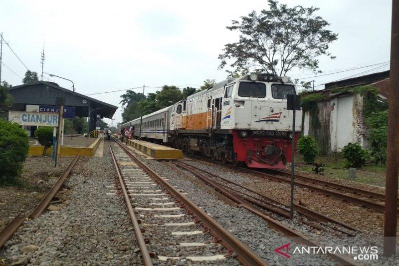 Penumpang kereta api Cianjur-Sukabumi meningkat sejak awal puasa
