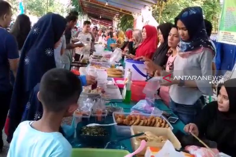 Hati-hati saat beli takjil Ramadhan