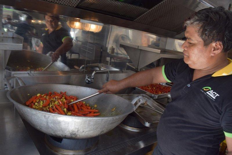 "ACT DIY-Pemkot Yogyakarta menggelar ""Humanity Food Truck"""