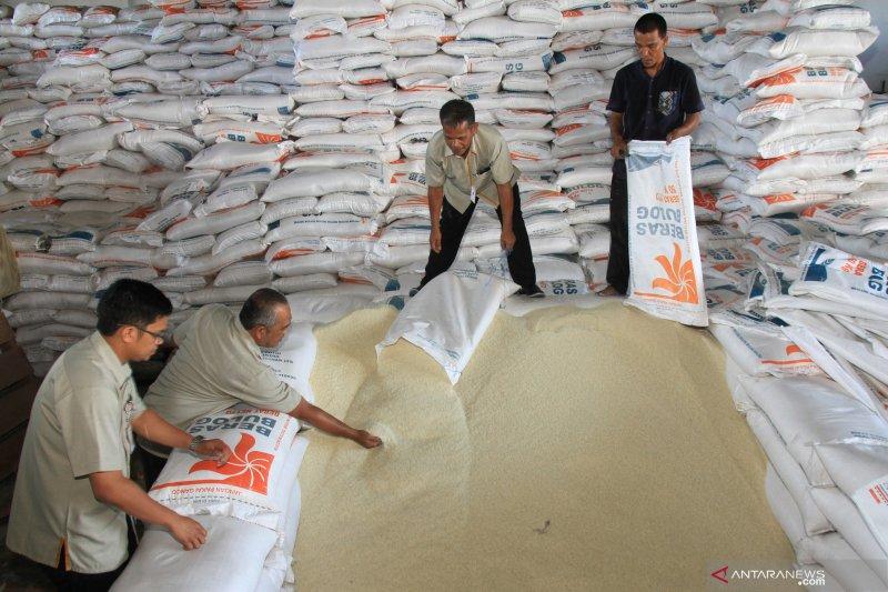 Legislator apresiasi Bulog salurkan bantuan beras sejahtera