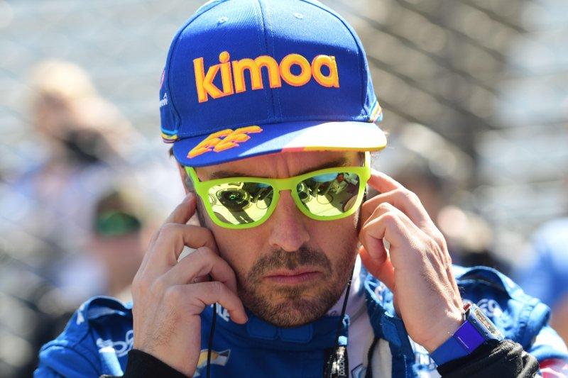 Fernando Alonso kecelakaan tabrak dinding pembatas