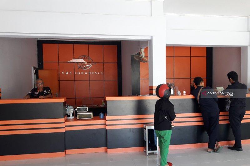 Pengiriman paket via pos meningkat efek kenaikan tarif biaya bagasi pesawat