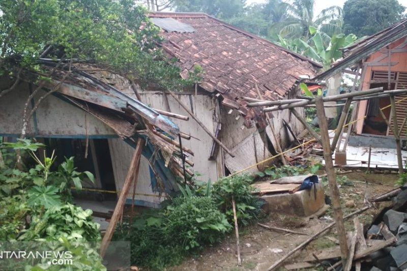 Lokasi bencana pergeseran tanah di Nyalindung menjadi kampung mati