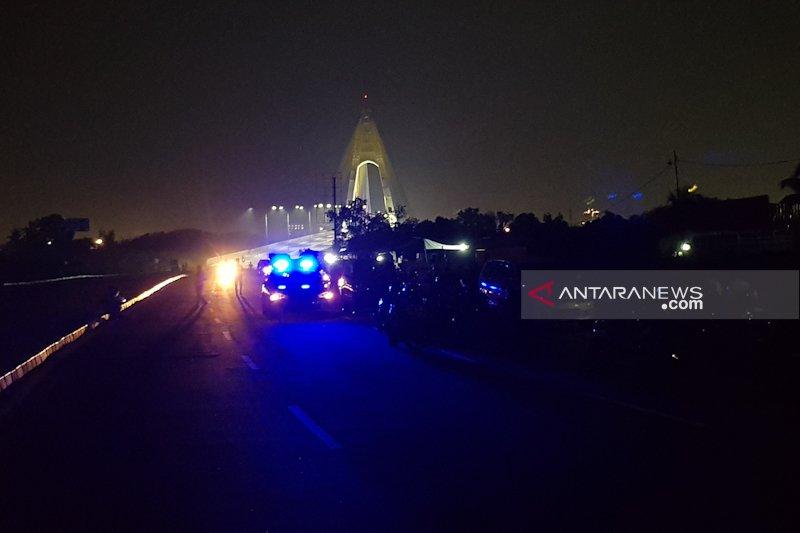 Di Pekanbaru warga tawuran,  Jembatan Siak ditutup