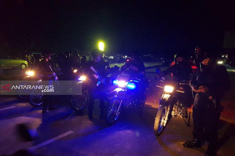 Tawuran warga Pekanbaru, dua orang terluka