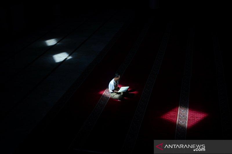 Ibadah Bulan Ramadhan Foto Page 1