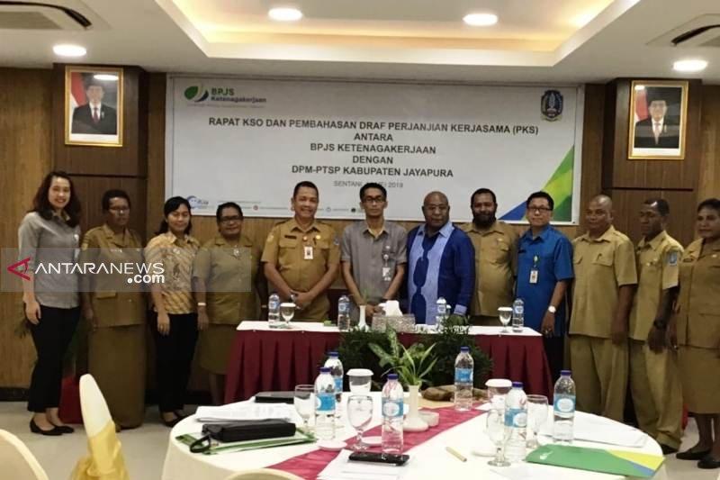Pemkab Jayapura dukung pelaksanaan program BPJS Ketenagakerjaan