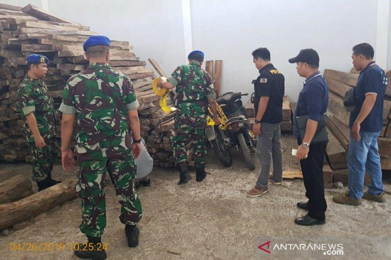 Oknum anggota TNI terlibat kasus kayu ilegal ditahan Denpom