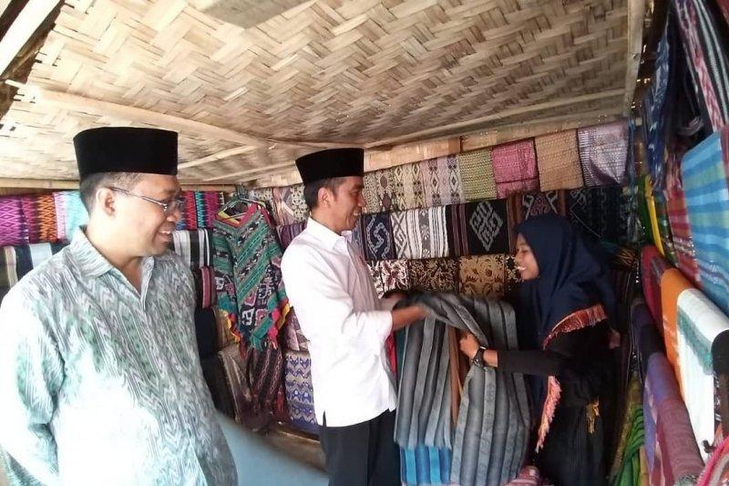 Jokowi kepincut kain tenun Lombok
