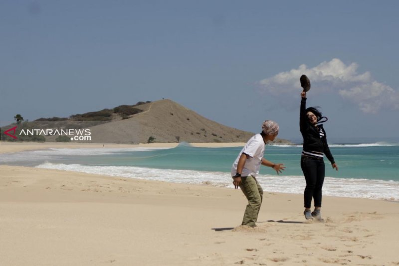 NTT siapkan BUMDes untuk kelola wisata Pantai Liman