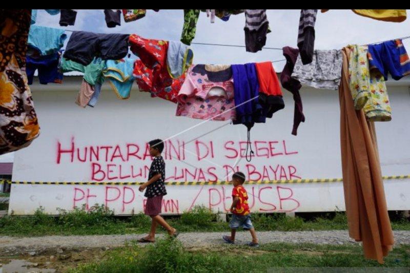 Huntara PUPR di Mamboro tetap dihuni pengungsi meski disegel