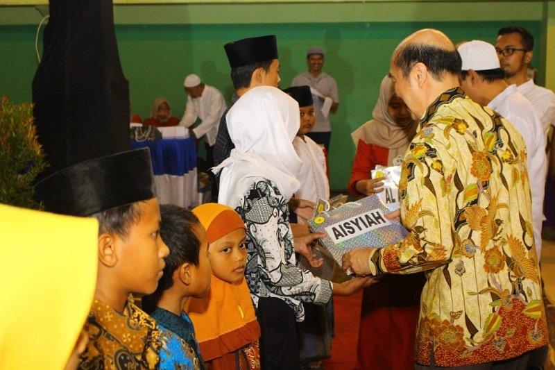 Pura Group Kudus santuni 1.150 anak yatim
